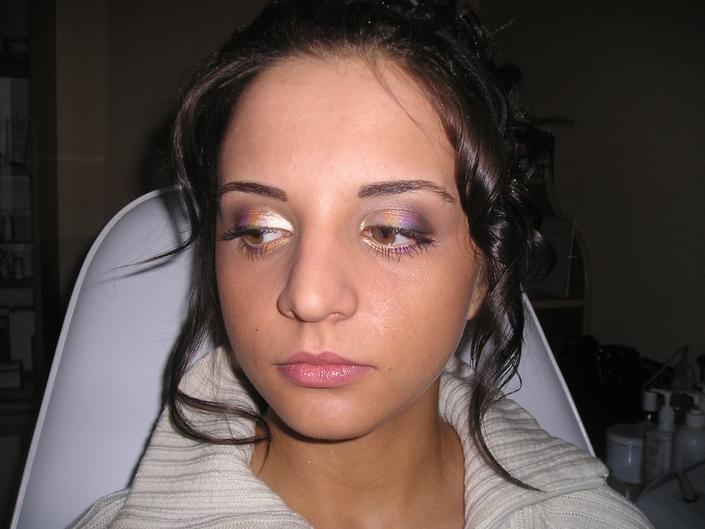 . Makijaż